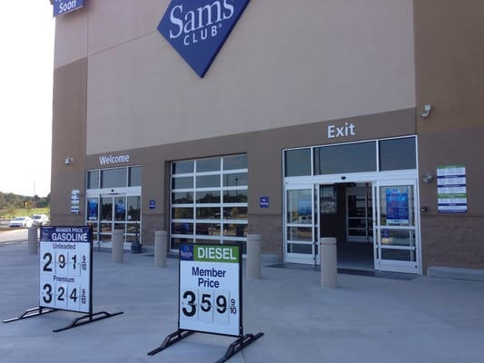 Founded in by Sam Walton, the first Sam's Club (originally named Sam's Wholesale Club) was created by one entrepreneur to help other entrepreneurs find affordable items for their own small businesses. Operating under the same profit model as Walmart, Sam's Club passed along its inventory savings to customers by.