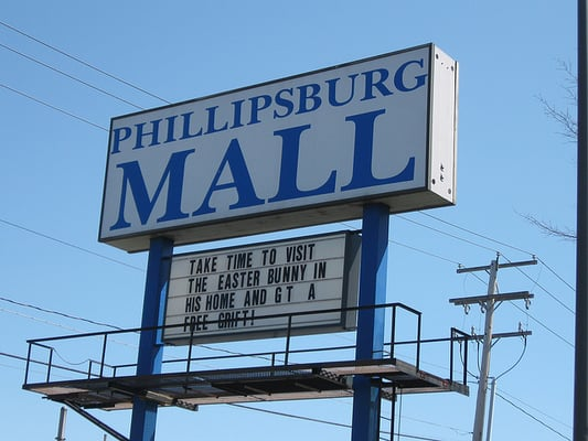 Phillipsburg Mall is located in Phillipsburg, New Jersey and offers 43 stores - Scroll down for Phillipsburg Mall shopping information: store list (directory), locations, mall hours, contact and address. Address and locations: Highway 22 East, Phillipsburg, New Jersey - NJ /5(2).