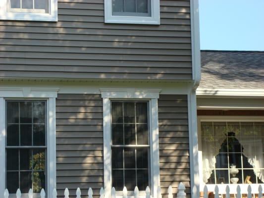 New vinyl siding and replacement windows with decorative for Mobile home replacement windows