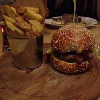 Barbecoa burger with goose fat chips