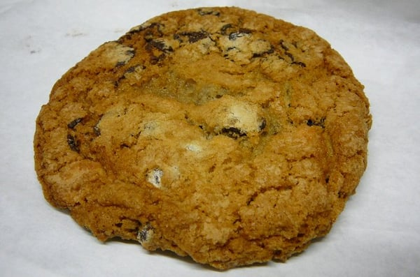 crispy, chewy chocolate chip cookie | Yelp