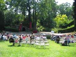 - Theatre de verdure du jardin shakespeare ...
