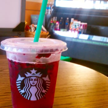 Very Berry Hibiscus Starbucks Refresher Yelp On The Hunt