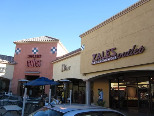 Cabazon Outlet Food Court