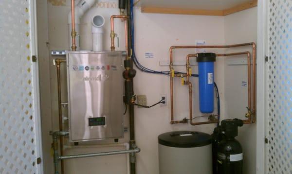Residential Eternal Hybrid Water Heater GU195S, Water