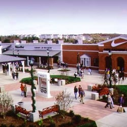 Leesburg Corner Premium Outlets Shopping Centers
