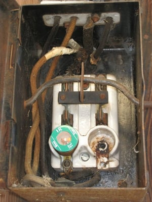 rusty fuse box with glass fuses | yelp 30 amp sub panel fuse box