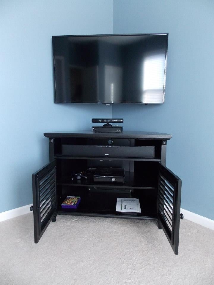 42 Quot Tv Mounted In A Special Corner Mount With A Polk Audio