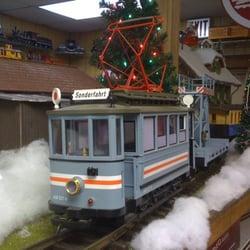 H & R Trains logo