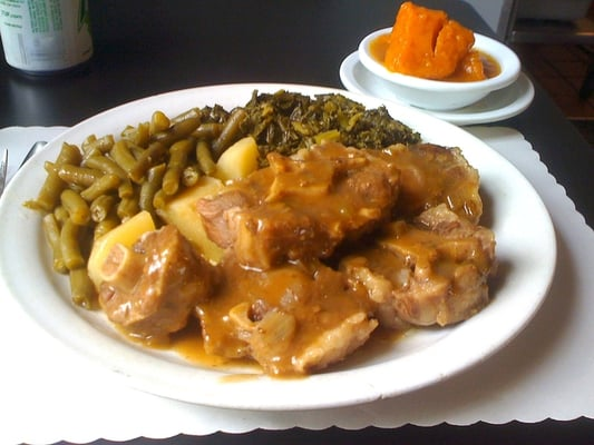 Nellie S Soulfood Restaurant Bar Oakland Ca